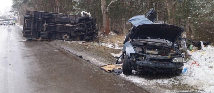 Policja bada okoliczności tragicznego wypadku w  miejscowości Łuszczów Pierwszy na Lubelszczyźnie. Zginęło w nim 2,5-letnie dziecko.