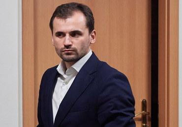 Marcin Dubieniecki wyjeżdża z kraju. Sąd zawiesił zakaz, prokuratura protestuje