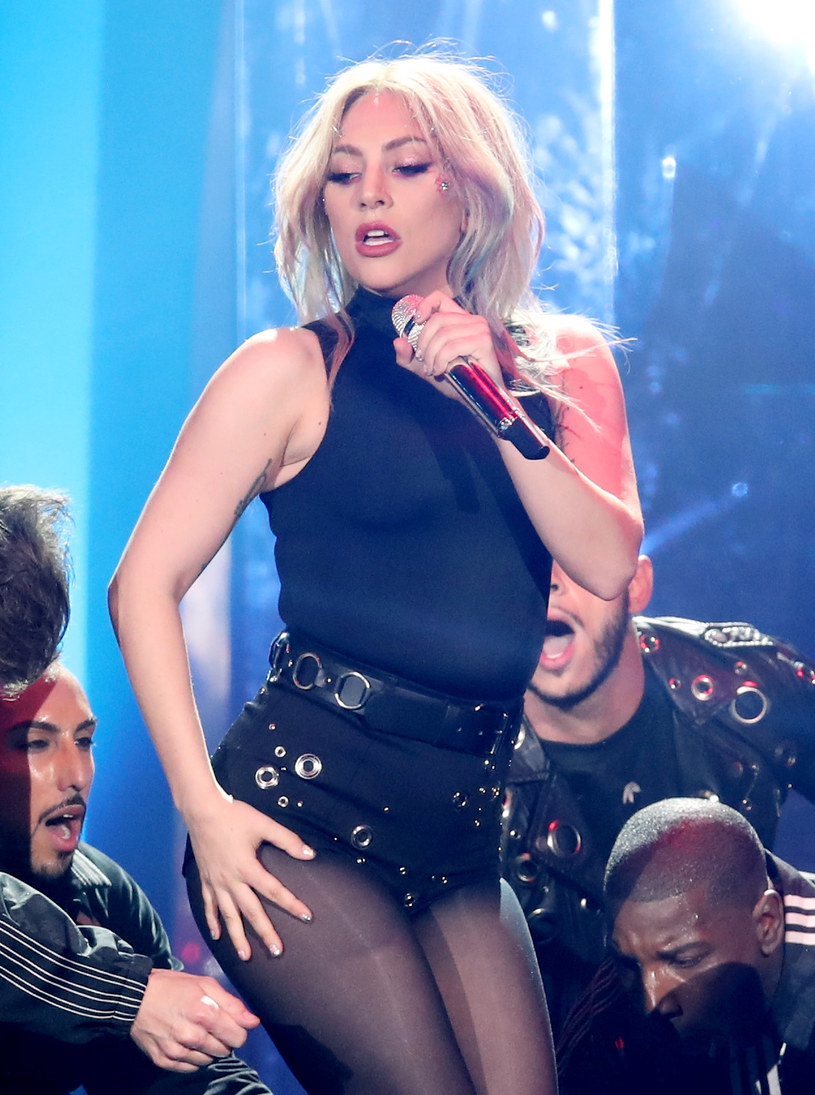 Lady Gaga uczciła swoje 32. urodziny (28 marca), publikując w mediach społecznościowych swoje zdjęcie z 2007 roku. Amerykanka miała wtedy ciemny kolor włosów.