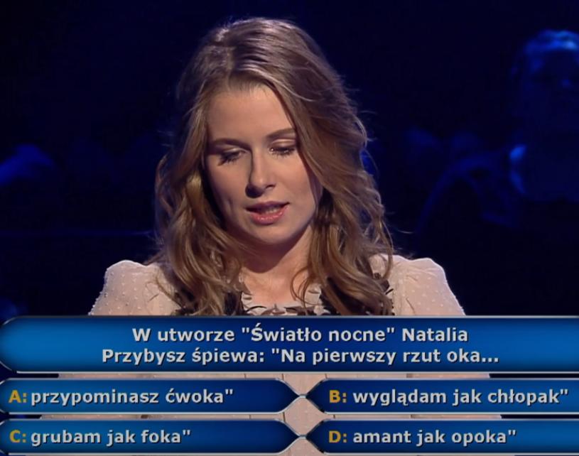 """""""Światło nocne"""" to tytułowy przebój z ostatniej płyty Natalii Przybysz. To właśnie fragment tekstu tego nagrania pojawił się w """"Milionerach""""."""