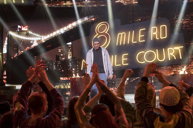 """W świątecznym odcinku """"Twoja Twarz Brzmi Znajomo 9"""" na scenie zobaczymy między innymi Eminema. Kto się wcieli w słynnego rapera?"""
