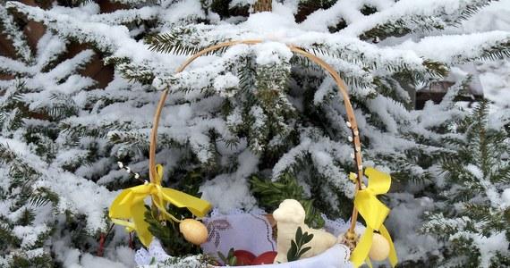 Święta Wielkanocne przyniosą całą paletę zjawisk pogodowych - będą opady deszczu, a nawet śniegu, wiosenne burze i ciepłe, słoneczne momenty.