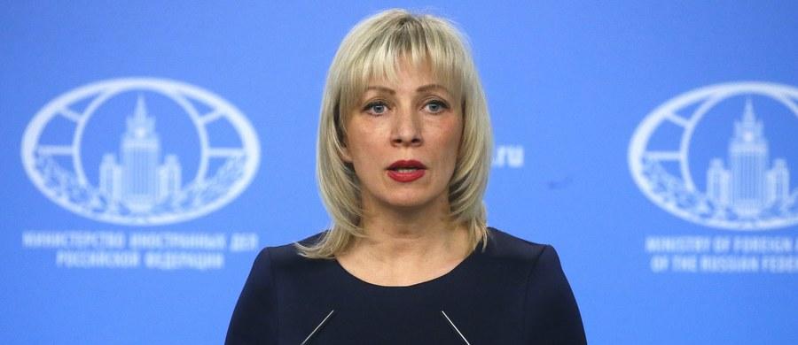 Rzeczniczka rosyjskiego MSZ Maria Zacharowa oświadczyła w rozmowie z agencją Reutera, że Wielkiej Brytanii przekazano, iż do tego kraju będzie musiało wrócić z Rosji jeszcze ponad 50 brytyjskich dyplomatów.