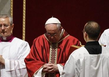 Msza Wigilii Paschalnej. Papież udzielił sakramentów 8 osobom, w tym migrantowi z Nigerii