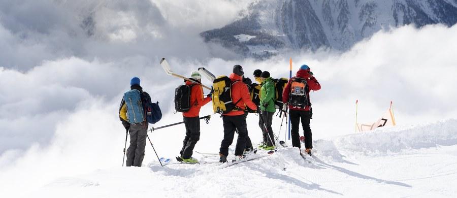 Trzech narciarzy zginęło w lawinie w pobliżu szczytu Eggishorn w Alpach Berneńskich - poinformowała w niedzielę policja szwajcarskiego kantonu Valais. Podczas akcji ratunkowej udało się uratować dwie osoby; przebywają one w szpitalu z lekkimi obrażeniami.