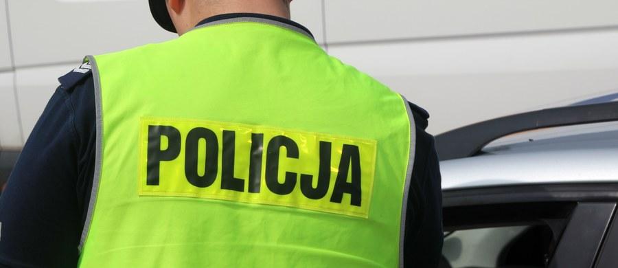 Od piątku na polskich drogach doszło do 238 wypadków. Zginęły 23 osoby, a 303 zostały ranne. Policja zatrzymała 1151 nietrzeźwych kierowców.