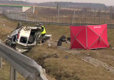 Łódzkie: Wypadek busa na A1. 1 osoba zginęła, 5 jest rannych