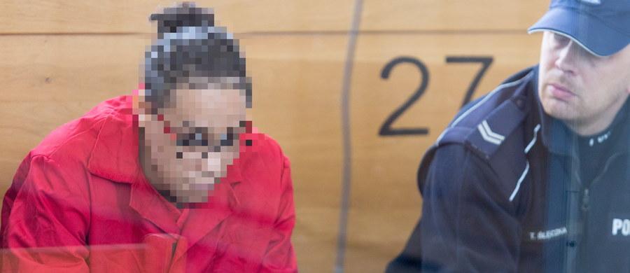 Przed Sądem Okręgowym w Katowicach rozpoczął się proces Marokańczyka Mourada T., oskarżonego o udział w tzw. Państwie Islamskim (ISIS). To pierwszy w Polsce bezpośredni współpracownik ważnej osoby w terrorystycznych strukturach ISIS, który zasiądzie na ławie oskarżonych. Mężczyzna został zatrzymany na Śląsku.