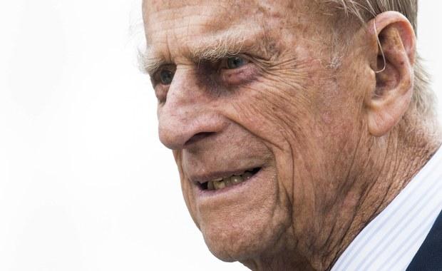 Blisko 97-letni mąż królowej Elżbiety II, książę Edynburga Filip, został przyjęty do londyńskiego szpitala im. króla Edwarda VII. W środę przejdzie zaplanowaną operację biodra - poinformował Pałac Buckingham.