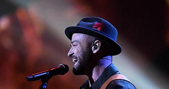 Justin Timberlake przerwał swój koncert w Detroit, by ogłosił, że jego fanka jest w ciąży. Kobieta poprosiła go o to w nietypowy sposób.