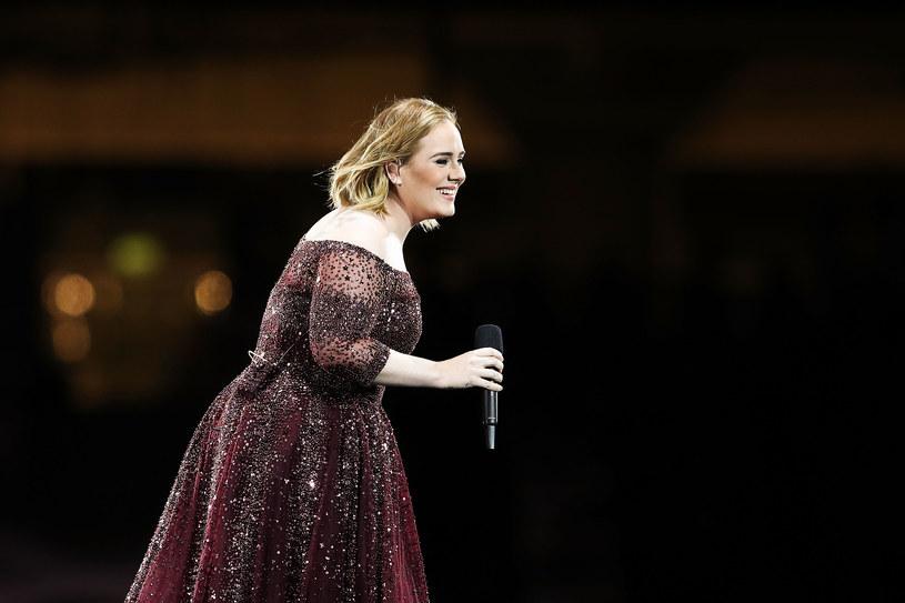 Co słychać u Adele, która przerwała ostatnią trasę koncertową z powodów zdrowotnych?