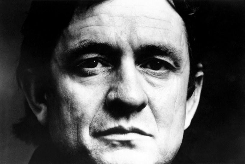 6 kwietnia do sprzedaży trafił album z piosenkami opartymi na nieznanej dotychczas twórczości legendy muzyki country, Johnny'ego Casha.