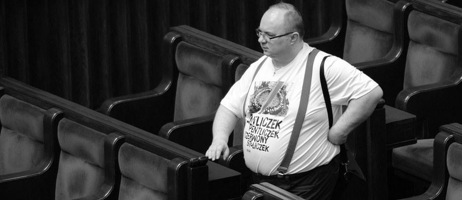 Prokuratura Okręgowa w Łodzi umorzyła śledztwo ws. wypadku drogowego, w wyniku którego śmierć poniósł poseł Kukiz'15 Rafał Wójcikowski - poinformował w piątek rzecznik prokuratury Krzysztof Kopania.