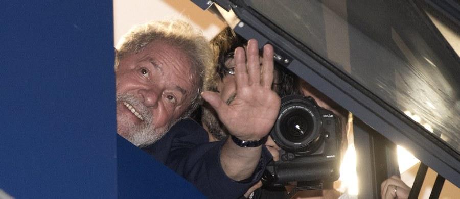 Były prezydent Brazylii Luiz Inacio Lula da Silva poinformował, że odda się w ręce policji i zastosuje się do sądowego nakazu rozpoczęcia odbywania kary 12 lat więzienia za korupcję. Lula powtórzył, że jest niewinny.