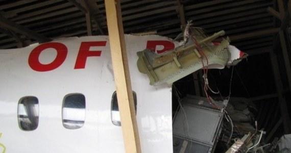 Próbki pobrane z samolotu Tu-154M, który rozbił się w Smoleńsku, zostały w maju 2017 r. przekazane brytyjskiemu laboratorium Forensic Explosives Laboratory (FEL), będącego częścią DSTL, podlegającego brytyjskiemu ministerstwu obrony. Do tej pory nie poinformowano publicznie o rezultatach badań.