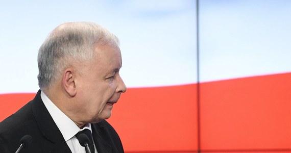 """41 proc. osób deklarujących gotowość wzięcia udziału w wyborach do Sejmu zamierza głosować na PiS, a 23 proc. na PO - wynika z sondażu Instytutu Badań Pollster dla """"Wiadomości"""" TVP. Na kolejnych miejscach znalazło się SLD (9 proc.), Kukiz'15 (8 proc.), Nowoczesna (7 proc.) oraz PSL 5 proc."""