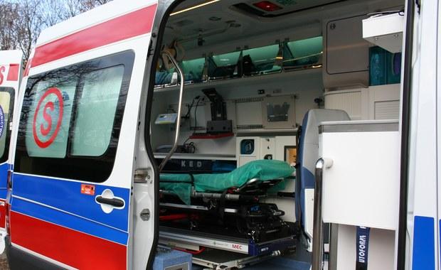 Sześć osób zostało rannych w zderzeniu dwóch tramwajów na ulicy Puławskiej w Warszawie. Ze wstępnych informacji wynika, że motorniczy jednego ze składów nie zdążył wyhamować i wjechał w tył składu jadącego przed nim.