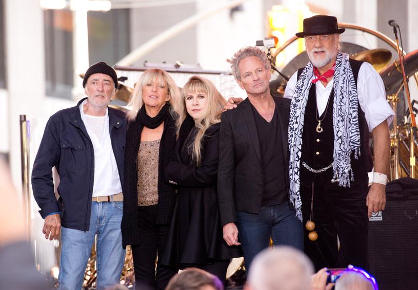 Wystarczył jeden tweet z tańczącą cheerleaderką, aby Fleetwood Mac i ich 41-letnia piosenka trafili do zestawienia rockowej listy Billboard.