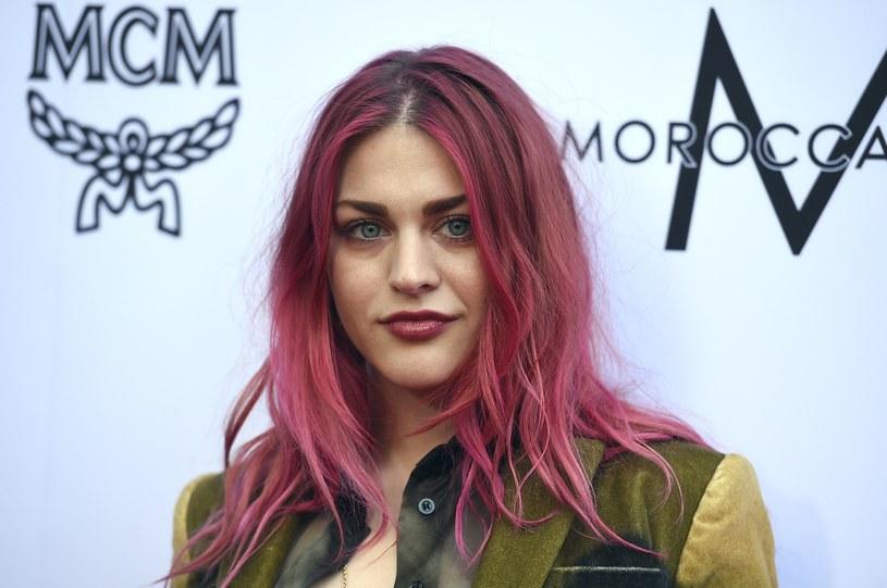 Córka Kurta Cobaina w rozmowie z telewizją E! przyznała, że ma w głowie plany muzyczne i chciałaby zostawić po sobie coś namacalnego.