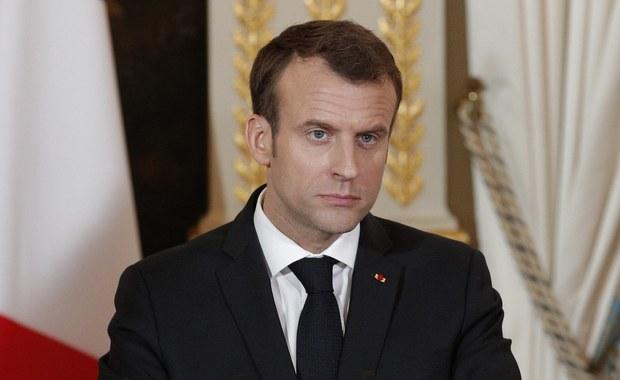 """Prezydent Francji Emmanuel Macron powiedział w czwartek, że jego kraj """"ma dowody"""" na użycie w ubiegłym tygodniu przez syryjski reżim broni chemicznej. Dodał, że Paryż zdecyduje o ewentualnym uderzeniu odwetowym po zebraniu wszystkich niezbędnych informacji."""