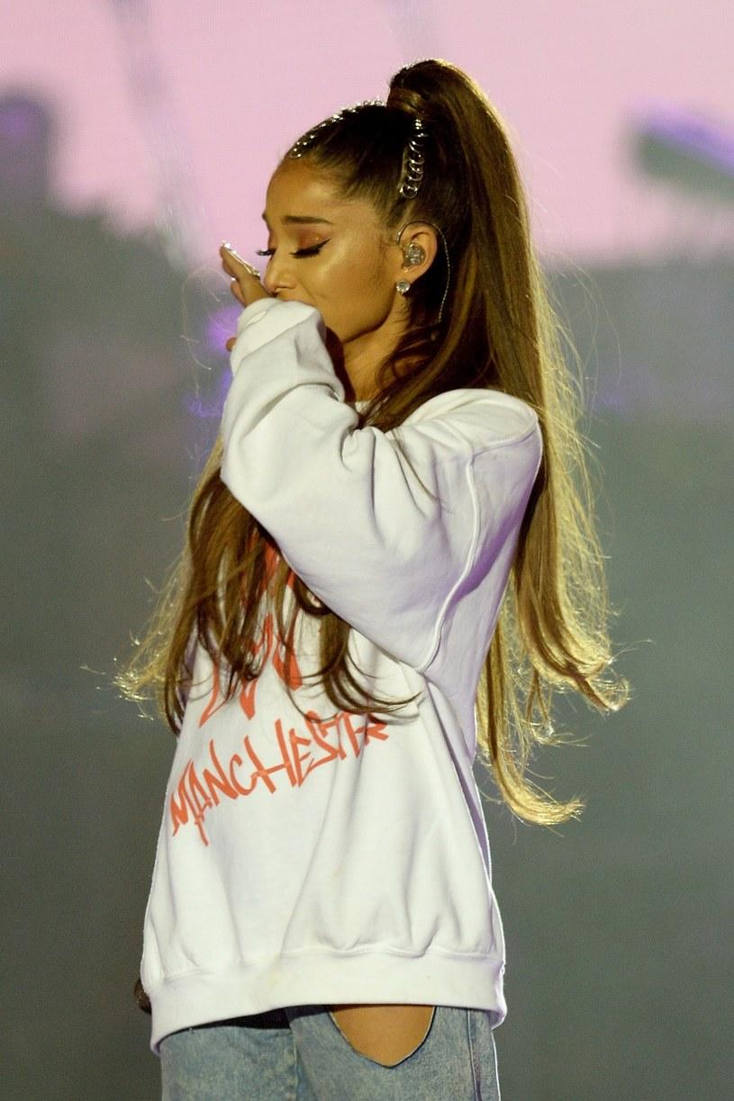 Amerykańskie media donoszą, że Ariana Grande jest gotowa na powrót z nową muzyką. Kolejny singel będzie pierwszym wydanym utworem wokalistki po tragicznym zeszłorocznym koncercie w Manchesterze.