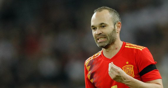 To szokujące wieści dla fanów futbolu. Jak informuje Radio Catalunya Andres Iniesta po tym sezonie może opuścić FC Barcelonę. Piłkarz, który z klubem związany jest od czasów juniorskich miałby przed sportową emeryturą przenieść się do Chin.