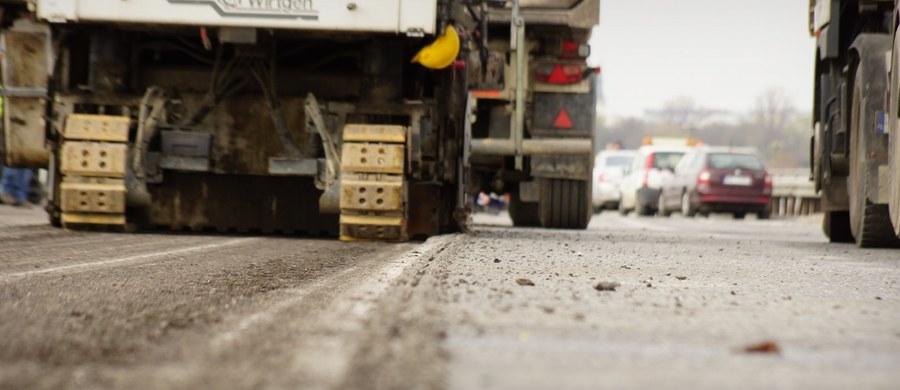 Od poniedziałku do 25 kwietnia zakopianka będzie zamknięta na odcinku od Lubnia do Skomielnej Białej. Samochody będą kierowane na objazd przez Mszanę Dolną.