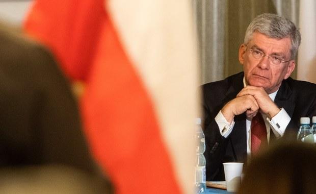 """Marszałek Senatu Stanisław Karczewski przyznał, że jest sceptyczny wobec pomysłu wicepremiera Jarosława Gowina dot. głosowania rodzinnego. """"Jest to propozycja, która radykalnie zmieniłaby dotychczasowy model demokracji"""" – dodał."""