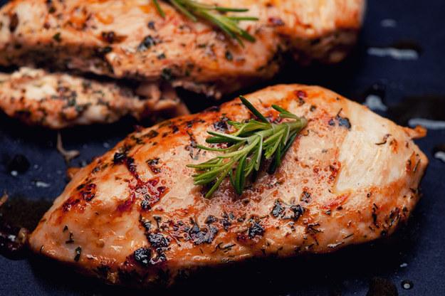 Proste przepisy na dania z kurczakiem