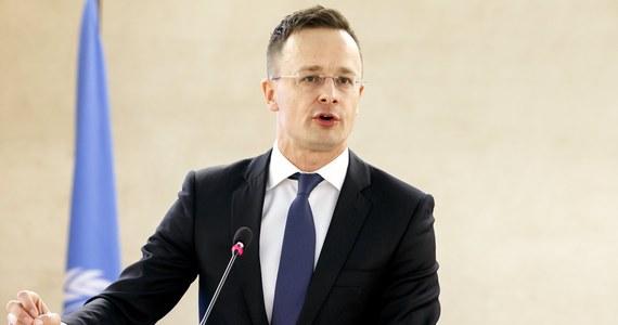 Szef dyplomacji węgierskiej Peter Szijjarto wyraził we wtorek przekonanie, że amerykański finansista George Soros oraz wiceprzewodniczący Komisji Europejskiej Frans Timmermans nie akceptują wyników wyborów na Węgrzech.