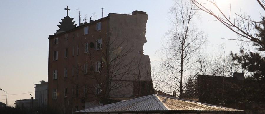 Poznański sąd okręgowy utrzymał w mocy decyzję o tymczasowym areszcie dla Tomasza J. Mężczyzna jest podejrzany o zabójstwo żony, znieważenie jej zwłok i spowodowanie częściowego zawalenia kamienicy na Dębcu.