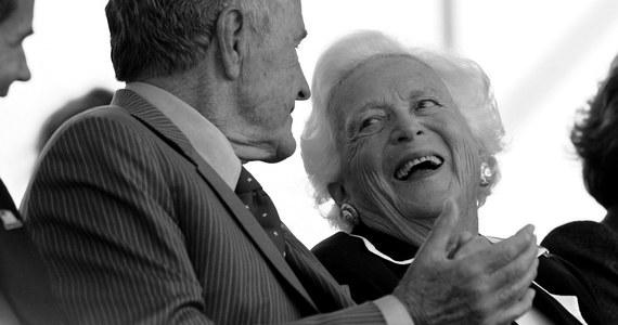 Zmarła Barbara Bush - żona 41. prezydenta Stanów Zjednoczonych George'a H. W. Busha i matka 43. prezydenta USA George'a W. Busha. Była jedyną kobietą na świecie, której mąż i syn piastowali najwyższe stanowisko państwowe w Stanach Zjednoczonych. Miała 92 lata.