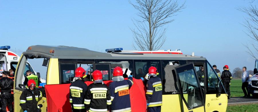 Kierowca ciężarówki, z którą zderzył się autobus wiozący uczniów darłowskiego Zespołu Szkół Morskich, został zatrzymany przez sławieńską policję. Prokurator zdecyduje o tym, czy postawione mu zostaną zarzuty.