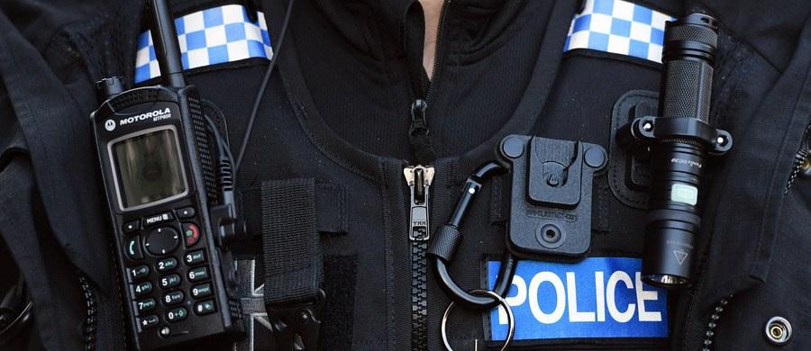 Brytyjska policja bada zgłoszenie o pobiciu Polaka przez grupę 20 mężczyzn w mieście Hull w hrabstwie East Yorkshire. Zajście jest traktowane jako przestępstwo z nienawiści na tle narodowościowym.