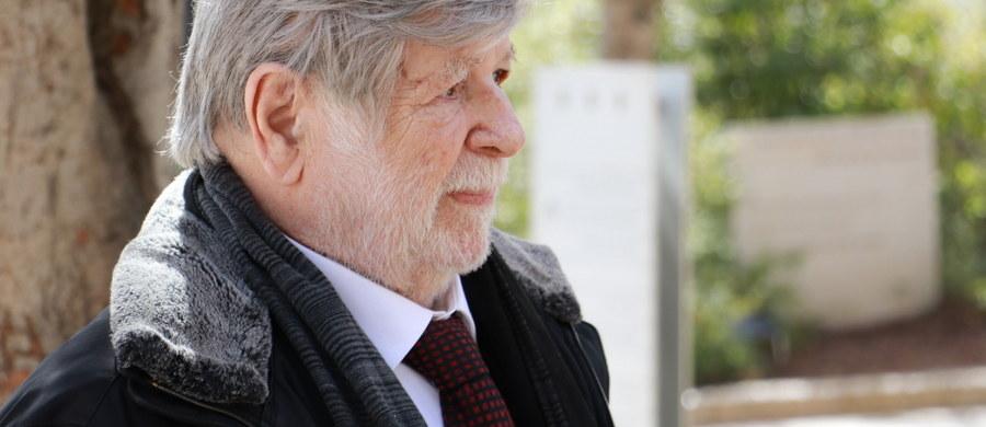 """""""Jest to rocznica powstania w getcie. I dzisiaj jest też dzień niepodległości Izraela. To jest bardzo symboliczne"""" - mówił w Porannej rozmowie w RMF FM Szewach Weiss, były ambasador Izraela w Polsce. Tematem rozmowy jest obchodzona dziś 75. rocznica powstania w getcie warszawskim. Gość Roberta Mazurka mówił także, że w Polsce wciąż jest obecny antysemityzm. """"Tam gdzie są Żydzi - jest antysemityzm. Tam, gdzie nie ma już Żydów, w dalszym ciągu istnieje antysemityzm i ksenofobia"""" - mówił Weiss. """"To są choroby patologiczne"""" - dodał. Rozmówca RMF FM przyznał, że jako przewodniczący Knesetu zyskał finansowo. """"Różnica nie była wielka, ale zyskałem. Pensja szefa Knesetu i premiera Izraela jest dość wysoka"""" - wyjaśnił."""