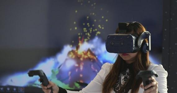 W szpitalu w Sheffield przeprowadzono próby wykorzystania gogli VR do łagodzenia bólu pacjentów m.in. po oparzeniach. Rekonwalescenci chwalą tę metodę.