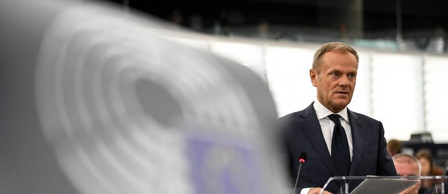 """""""Dzisiejsza opozycja w swoim gronie liderów nie ma osoby, w której wypatrują kandydata w wyborach prezydenckich"""" – ocenił w TVN24 rzecznik prezydenta Krzysztof Łapiński. """"Jedyna nadzieja opozycji to Donald Tusk"""" – dodał."""