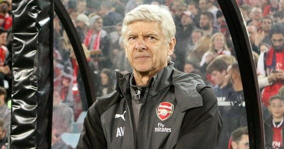 """Z końcem obecnego sezonu Arsene Wenger przestanie być trenerem piłkarzy Arsenalu Londyn. Pełnił tę funkcję od 1 października 1996 roku i trzykrotnie zdobył z """"Kanonierami"""" mistrzostwo Anglii. Nazwisko jego następcy nie jest jeszcze znane."""