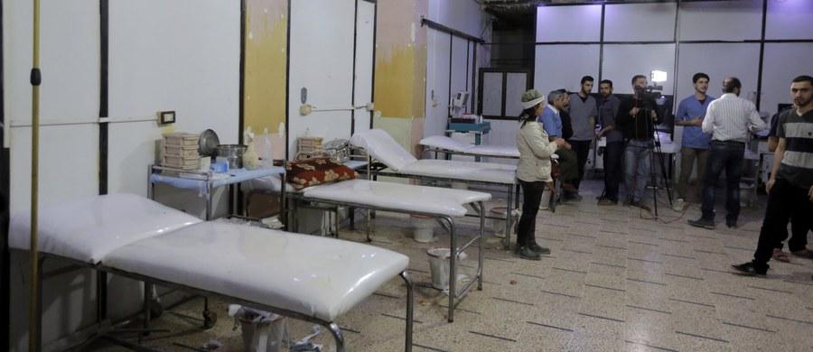 Eksperci Organizacji ds. Zakazu Broni Chemicznej (OPCW) pobrali w syryjskim mieście Duma w sąsiadującym z Damaszkiem regionie Wielkiej Guty próbki, które mają umożliwić wyjaśnienie, czy 7 kwietnia dokonano tam ataku chemicznego. Próbki zostaną zbadane w laboratorium OPCW w Rijswijk w Holandii.