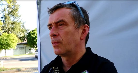 """Pilot rajdowy Jarosław Baran, który w ostatnich latach trzykrotnie zdobył tytuł mistrza Europy jeżdżąc z Kajetanem Kajetanowiczem z bliska obserwował wydarzenia na 46. Rajdzie Świdnickim-Krause. """"Wracam tu po kilku latach nieobecności z dużymi oczekiwaniami. Jestem może nie zachwycony, ale bardzo pozytywnie zaskoczony początkiem walki w mistrzostwa Polski"""" - przyznał Baran w rozmowie z RMF FM."""