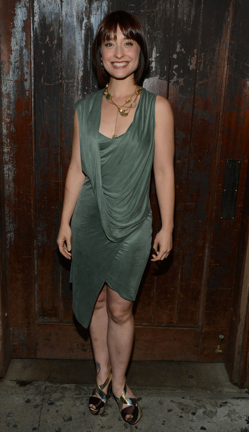 """Allison Mack, aktorka znana z serialu """"Tajemnice Smallville"""" została zatrzymana w USA. Jest podejrzana o to, że rekrutowała kobiety, a następnie zmuszała je do seksu z szefem organizacji Nxivm, uważanej za sektę."""
