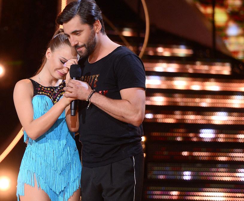 """Angelika Mucha, która w ostatnim odcinku """"Tańca z Gwiazdami"""" pożegnała się z show Polsatu, """"po dwóch dniach milczenia"""" odniosła się do emocji związanych z udziałem w tanecznym programie."""