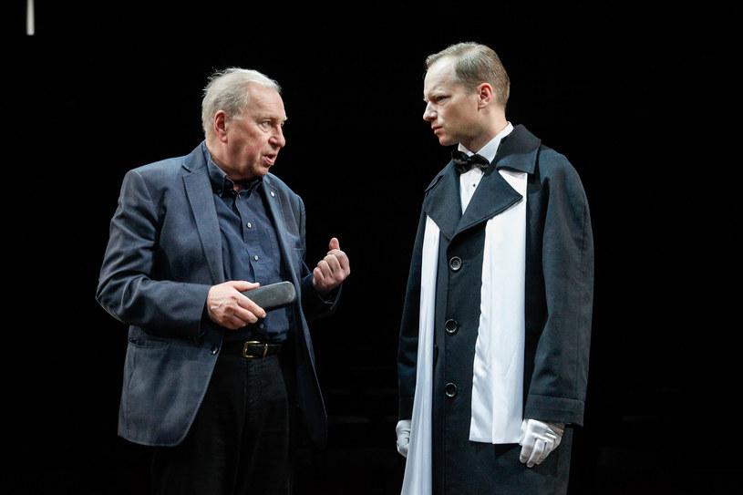 """27 kwietnia w Och-teatrze odbędzie się premiera """"Balu manekinów"""" Brunona Jasieńskiego w reżyserii Jerzego Stuhra. W roli głównej zobaczymy Macieja Stuhra."""