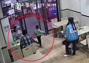 Ciężarna kobieta podstawiła nogę 4-latkowi. Internet zawrzał z oburzenia