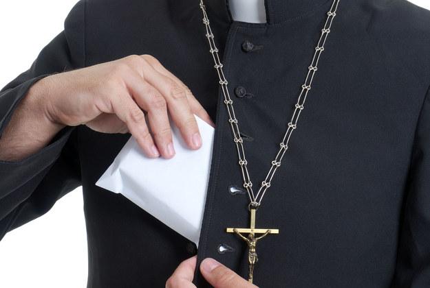 Nowy sposób na zbieranie ofiar w kościele. Będziecie w szoku!
