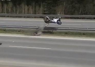 """Popisy na """"patelniach"""" na zakopiance. Motocykliści kpią z przepisów i policji"""