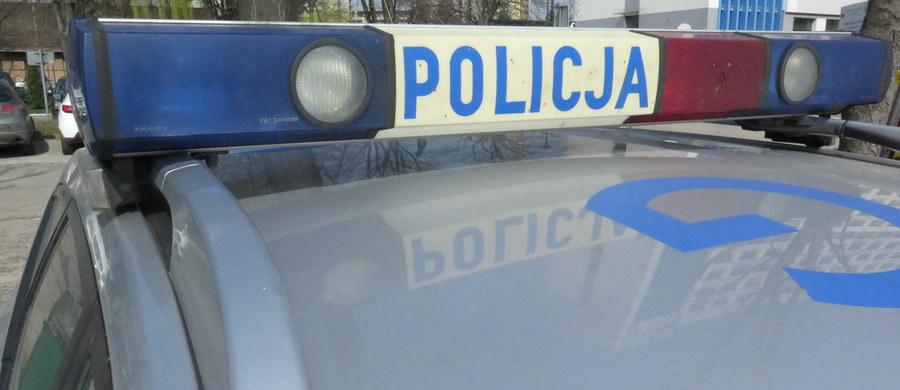 Dwóch braci zatrzymanych po policyjnej obławie w Zabrzu. Obaj mieli użyć broni w czasie napadu na trzeciego członka rodzeństwa. Jeden z mężczyzn trafił do szpitala.