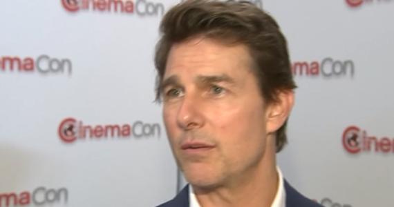 """Tom Cruise doznał kontuzji w trakcie kręcenia sceny kaskaderskiej do najnowszej części """"Mission: Impossible"""", co uniemożliwiło mu dalszą pracę na planie. Gwiazdor opowiedział, jak udało mu się dojść do siebie w tak krótkim czasie."""