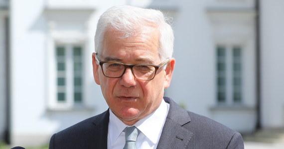 """""""Polska nie zaakceptuje nacisków politycznych ws. wieloletniego budżetu UE po 2020 r. Budżet musi być przyjęty jednogłośnie i jeżeli KE nie doprowadzi do kompromisu, Polska będzie korzystać ze swoich praw"""" - powiedział szef MSZ Jacek Czaputowicz. Minister mówił na marginesie spotkania szefów dyplomacji państw NATO w Brukseli, że niektóre zgłaszane propozycje, o których piszą dziennikarze - znaczące cięcia czy przekierowanie funduszy unijnych - byłyby trudne do zaakceptowania."""