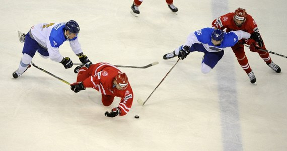 Polska przegrała w Budapeszcie z Kazachstanem 1:6 (0:2, 1:2, 0:2) w swoim ostatnim występie w mistrzostwach świata Dywizji 1A w hokeju na lodzie. Taki wynik oznacza, że biało-czerwoni zostali zdegradowani i w przyszłym roku będą występowali na trzecim poziomie.